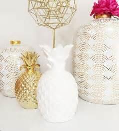 White Pineapple Decor by Best 25 Gold Room Decor Ideas On Pinterest Teen
