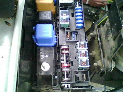 Nissan Frontier Fuse Box by 2000 Nissan Frontier Crew Cab Fuse Box There