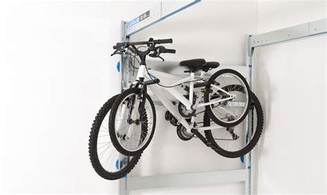 porte velo garage porte v 233 lo escamotable pour rangement de garage lodus ref 51051