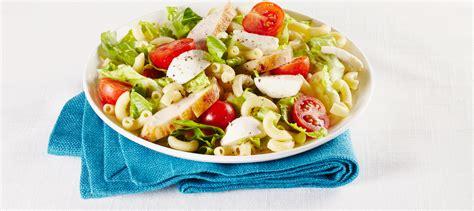 idées de plats à cuisiner salade césar avec poulet et macaroni au fromage recette