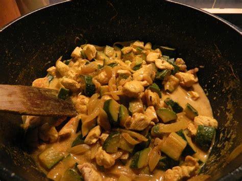 recette cuisine rapide pour le soir curry rapide de poulet aux courgettes la cuisine légère