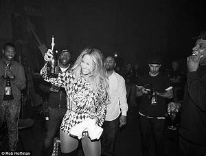Beyonce Shares All The Intimate Backstage Moments As Her