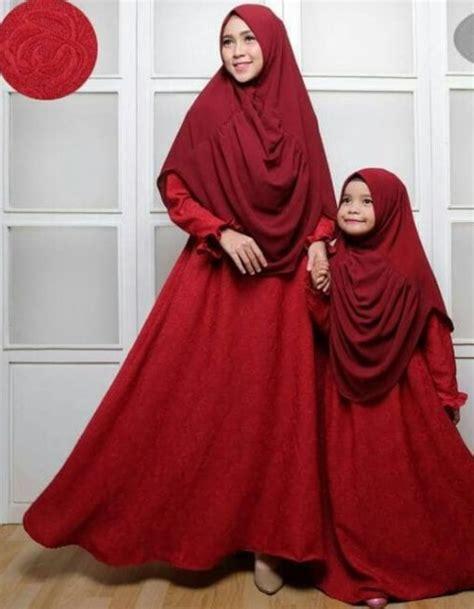 Embos Maroon 50 koleksi model baju gamis ibu dan anak terbaru