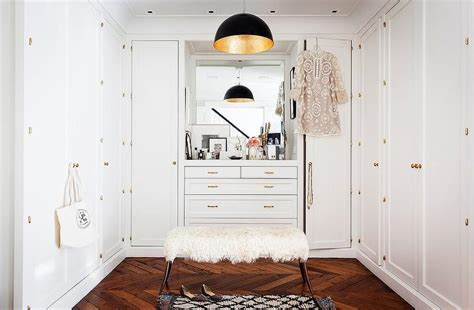 shaped closet design ideas