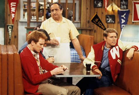 al molinaro diner owner  happy days dies