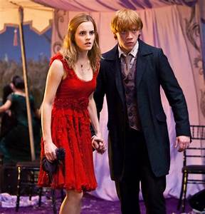 Ron and Hermione at the wedding, HP 7, part 1. | You must ...