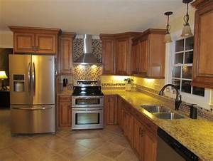 What color and type of tile was used for backsplash behind for Kitchen cabinets lowes with indian wall art uk
