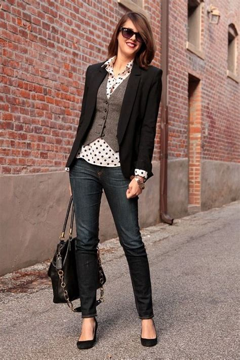 Business casual jeans women best outfits - business-casualforwomen.com