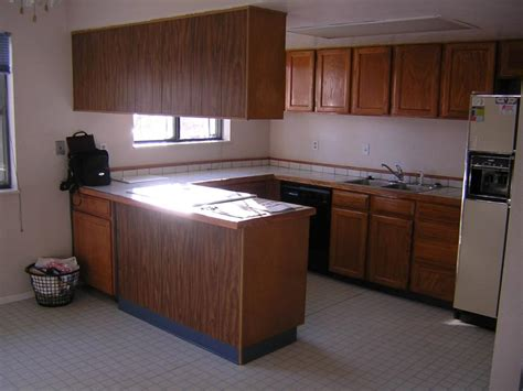 kitchen wall cabinets to ceiling giy it yourself kitchen makeover wall cabinets