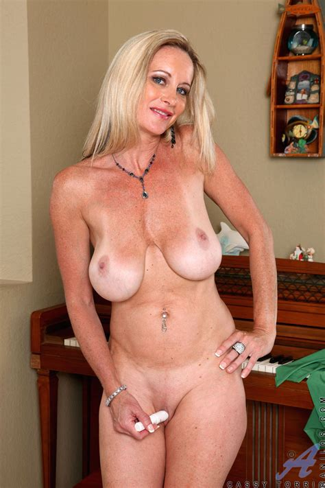 mature sex Beautiful Classy Naked Old women