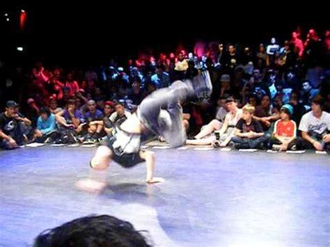 World Bboy Classic 2010  14 Finals  Lil Amok & Sam V