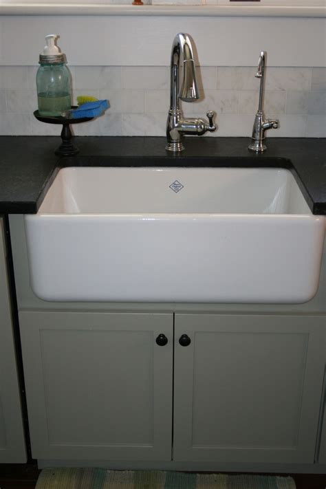 farmhouse kitchen sink lowes farmhouse porcelain kitchen sinks lowes black kitchen