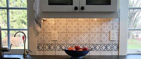 catalogue faience cuisine carrelage mural en terre cuite de cuisine motif victorien carrelage crédence cuisine