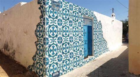 ilusi keramik tiga dimensi  kotak listrik  dinding