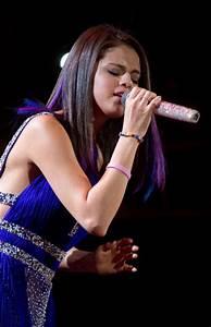 Selena Gomez Mexico City Concert Photos Under Surfme