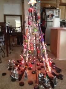 diy hockey stick christmas tree recycled with puck tree skirt chicago blackhawks pinterest