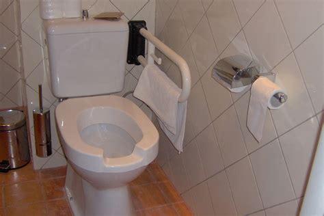journee mondiale des toilettes la question environnement du 16 11 2012 par yolaine de la bigne replay europe 1