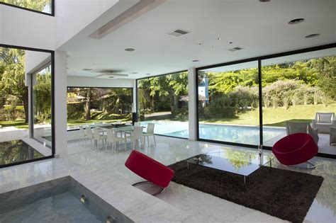 Water Feature, Open Plan Living Space, Modern House In