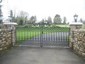 Front Gate Design Ideas
