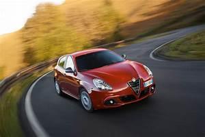 Essai Alfa Romeo Giulietta 1 4 Multiair 170 : essai de l 39 alfa romeo giulietta sprint 60 ans d 39 histoire french driver ~ Medecine-chirurgie-esthetiques.com Avis de Voitures