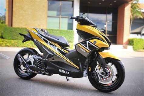 Yamaha Aerox 155vva Backgrounds by Yamaha Aerox 155 Big Scooter Mobil Mewah Kendaraan