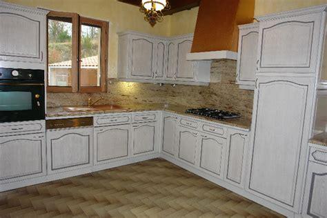 renovation meuble cuisine en chene peindre une cuisine en chene rustique ohhkitchen com