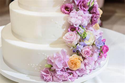 Die Hochzeitstorte Ein Hoch Auf Das Kalorienreiche