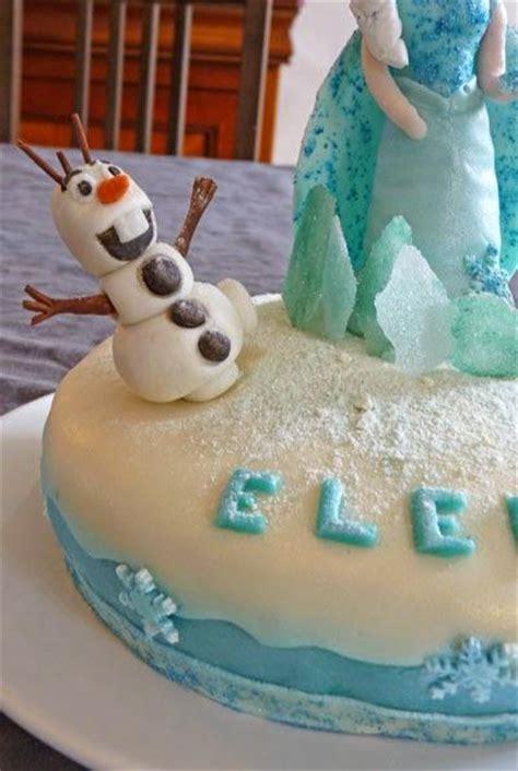 olaf en pate a sucre g 226 teau de la reine des neiges avec elsa et olaf en p 226 te 224 sucre g 226 teau damier chocolat vanille