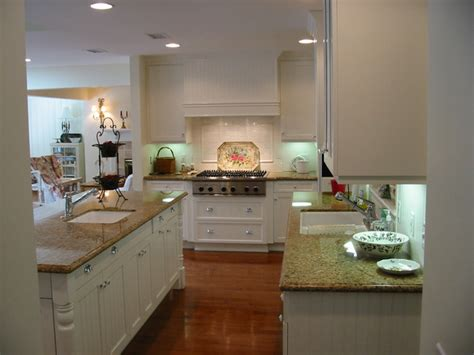 Romantic Homes Magazine Cover Kitchen Nantucket Country