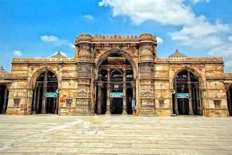 23 Best Places to Visit in Ahmedabad, Things to Do & Sightseeing (2020)
