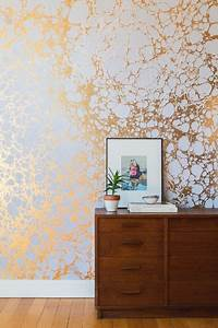 Rose Gold Wandfarbe : metallische wandgestaltung goldwandfarbeeffektemodernschick ~ Frokenaadalensverden.com Haus und Dekorationen