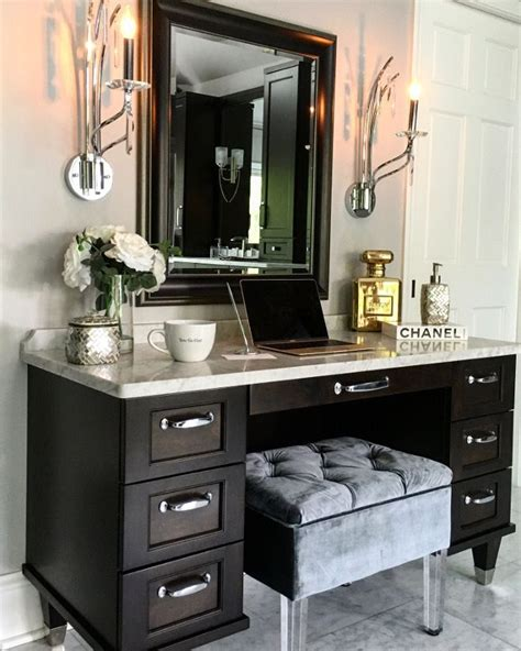 desk with drawers on left 25 best ideas about modern makeup vanity on