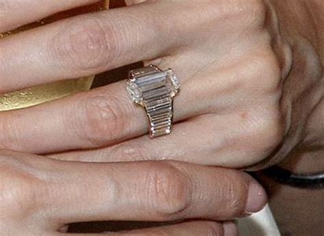 engagement rings angelina jolie  jennifer aniston