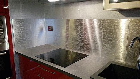 plaque metal cuisine plaque adhesive pour cuisine maison design bahbe com