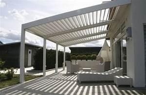 Terrassen berdachung mit elektrisch verstellbaren lamellen for Beschattung für terrassenüberdachung