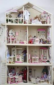 Puppenhaus Für Barbie : puppenhaus m bel f r 29cm puppe barbie und karinaa barbie house diy dollhouse diy dollhouse ~ A.2002-acura-tl-radio.info Haus und Dekorationen