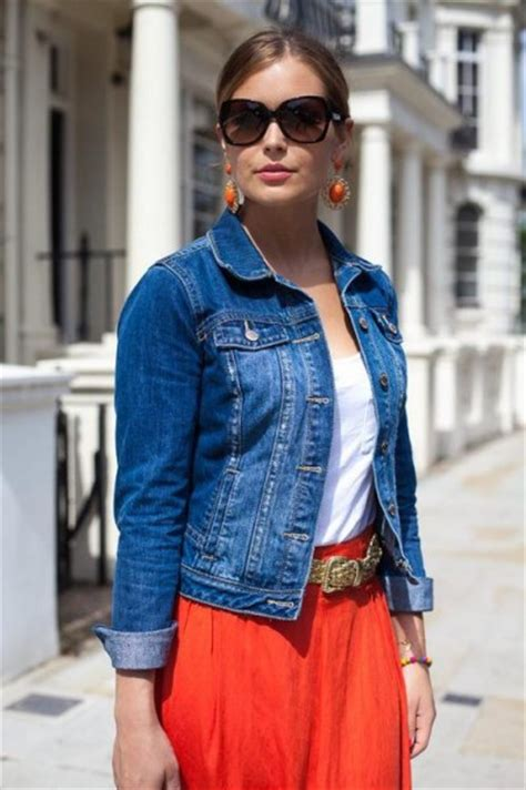Womenu0026#39;s Denim Jacket Style   Famous Outfits - Women
