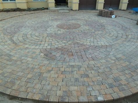 paver patterns circular paver pattern the landscape pinterest