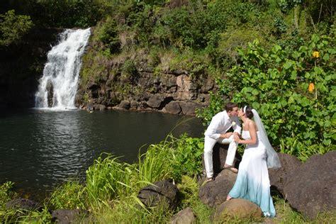 Hawaii Wedding At Waimea Falls Park