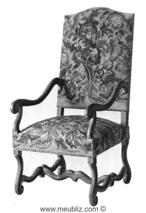 fauteuil louis xiii 224 accoudoirs courb 233 s dossier garni et