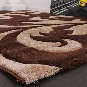 designer teppich festival mit konturenschnitt muster braun With balkon teppich mit tapete beige muster