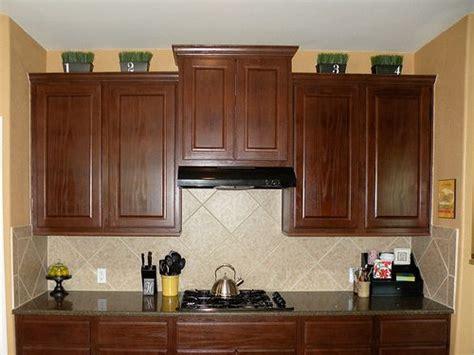 it kitchen cabinets 47 mejores im 225 genes sobre top of kitchen cabinets decor en 1996