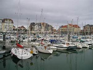 Garage Dives Sur Mer : harbour port guillaume picture of pierre vacances residence port guillaume dives sur mer ~ Gottalentnigeria.com Avis de Voitures