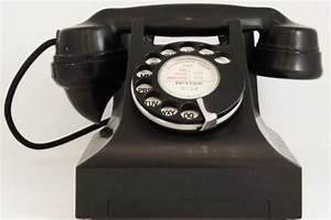 Bakelite Telephone - Materials