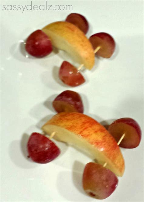 snack for apple and grape car snacks for 687 | 644877756af7d3df9226c7224359cf7f