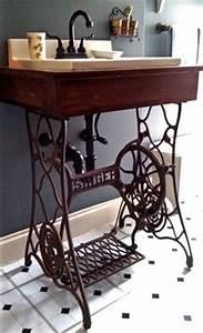 Nähmaschinengestell Als Tisch : tolle ideen f r modernen wandschmuck alte n hmaschinen liebe gr e und freuen ~ Buech-reservation.com Haus und Dekorationen