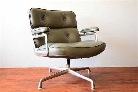 herman miller vintage office chairs size of
