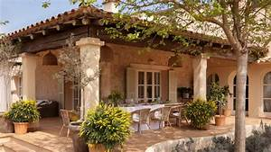 Country style Spanish interior - home interior with luxury ...