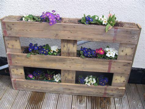 fiori di legno fai da te fioriera fai da te realizzare una bellissima fioriera il