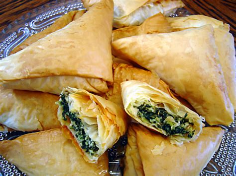 tringle cuisine spanakopita triangles recipe genius kitchen
